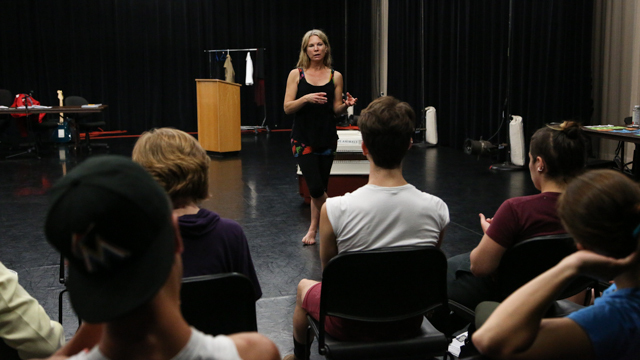 Hanson talks with School of Dance students at Open Rehearsal