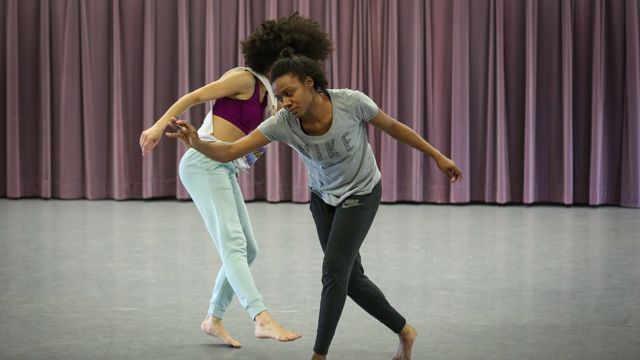 Rakia Seaborn and Stacy Lynn Smith rehearse <em>Rambler, Worlds Worlds A Part</em>